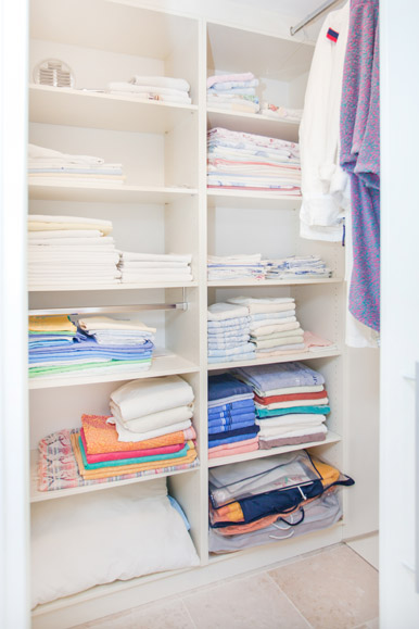st-charles-closets-built-ins (25)